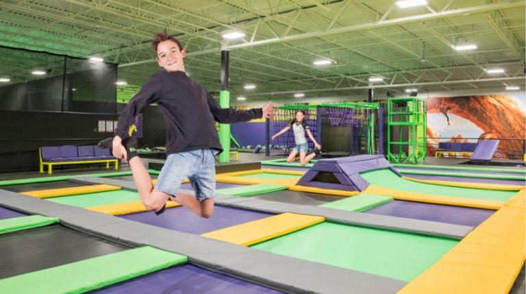 kids-jumping